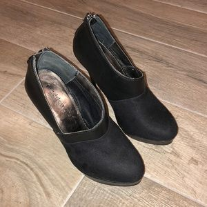 Madden Girl black ankle booties
